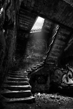 Black and White Photography Dark Photography, Black And White Photography, Landscape Photography, Black And White Landscape, Black And White Aesthetic, Abandoned Buildings, Abandoned Places, Dark Wallpaper, Dark Places