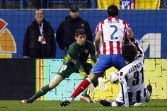 A principios de diciembre, Courtois conseguía el Golden Boy, que le acreditaba como mejor guardameta menor de 21 años del viejo continente. El belga ya se había hecho con la titularidad en la portería del Atlético.