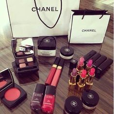 Chanel make-up💕✨👌 shared by on We Heart It Chanel Make-up, Chanel Lipstick, Chanel Beauty, Chanel Fashion, Chanel Bags, Dress Fashion, All Things Beauty, My Beauty, Beauty Makeup