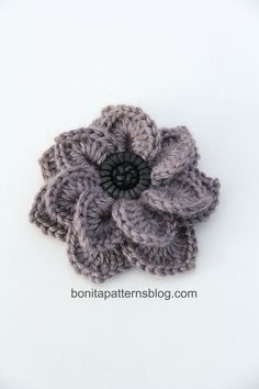 Crocodile Stitch Double Layer Flower free pattern @bonitapatterns @crochet