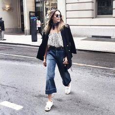 20 Outfits That Are the Epitome of Comfort AND Style: We all have those mornings where we just aren't feeling it: maybe you're in a grumpy mood or you spent the night tossing and turning, unable to fall asleep.
