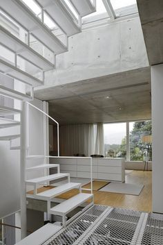 Modern Stairs // minimal white metal stairs designed by The Common Office for the Villa Altona, a home in Tornskogen, Sweden Metal Stairs, Modern Stairs, Modern Buildings, Interior Stair Railing, Staircase Design, Stair Design, Modern Interior, Interior And Exterior, Interior Design