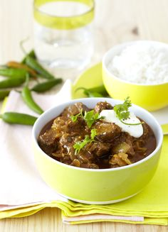 This beef curry made with green chillies, masala and turmeric has a bit of a bite in its flavour and tastes decadent topped with coriander and served with steaming basmati rice. Meat Recipes, Indian Food Recipes, Cooking Recipes, Indian Foods, Curry In A Hurry, Beef Curry, Curry Dishes, South African Recipes, Turmeric