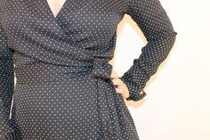 Vintage wraparound dress black with white by dameetdemoiselle