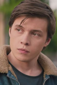 In November, we got our first glimpse of Love, Simon, a new coming-of-age movie about a young high schooler coming to terms with his identity, and now we yet Nick Robinson, Love Simon Movie, I Love Simon, Amor Simon, Texas Movie, Simon Spier, Celebrity Singers, The Way He Looks, Love Film