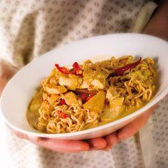 Sydänmerkki/Timo Viljakainen Dinner Tonight, Chili, Curry, Dishes, Healthy, Ethnic Recipes, Easy, Food, Pineapple