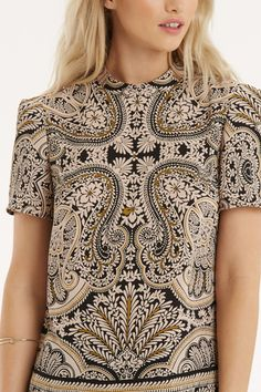alternative view                                                                                                                                                      More Womens Going Out Tops, Casual Tops For Women, Spring Fashion Trends, Fashion Week, Paisley Pattern, Paisley Print, New Outfits, Fashion Outfits, Womens Fashion