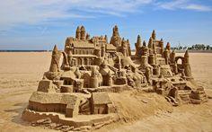 Scultura di sabbia sulla spiaggia di Valencia