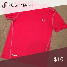 Men's under armour Size med  Fitted  Heat gear  Like new !  Red in color Under Armour Shirts Tees - Short Sleeve
