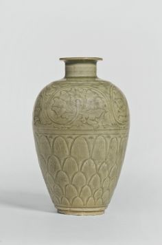 A 'LONGQUAN' CELADON MEIPING<br>NORTHERN SONG DYNASTY | lot | Sotheby's