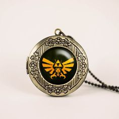 Zelda Hyrule Crest vintage pendant locket necklace