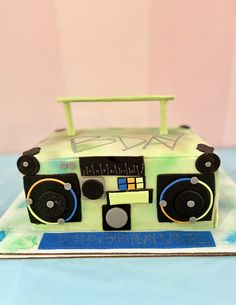 Here's a radio themed boy's birthday cake from a party hosted here at Kidz Lounge🎉