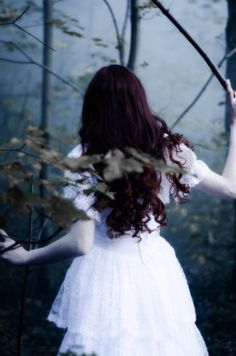 Ghost Bride / girl in woods or forest / lost / running Dark Fantasy, Foto Fantasy, Story Inspiration, Writing Inspiration, Character Inspiration, Ghost Bride, Shotting Photo, Poses Photo, Princess Aesthetic