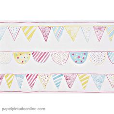 Cenefa papel Pintado Infantil Summer Camp 7286_01_53 con dibujos de banderillas en diferentes formas y estampados organizadas en tres líneas horizontales en color amarillo, azul y rosa.