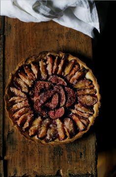 "plum & fig pie. from mimi thorisson's blog ""Manger"""