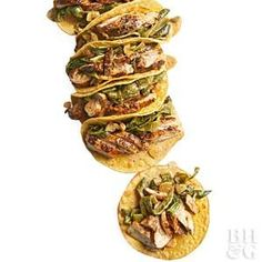 No bites of this chicken and roasted pepper taco filling will be left behind since they're safely tucked inside a two-ply layer of corn tortillas.