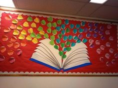 Ideas Sport For Kids Bulletin Boards For 2019 February Bulletin Boards, Kids Bulletin Boards, Reading Bulletin Boards, Preschool Bulletin, Preschool Crafts, Valentine Bulletin Boards, School Library Displays, Library Themes, Kids Library