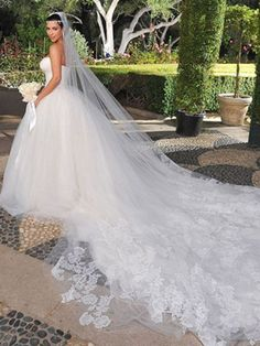 12 most expensive celeb wedding gowns