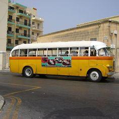 MaltaSt.Julians #Malta #stjulians #stjuliansmalta #otobüs #bus #birzamanlarmaltada #onceuponatimeinmalta #photography #photograph #fotoğraf #fotografia #photographs