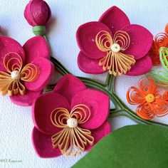 13 Paper Quilling Design Ideas That Will Stun Your Friends – Quilling Techniques Quilling Letters, Paper Quilling Designs, Quilling Craft, Quilling Flowers, Butterfly Flowers, Quilling Ideas, Diy And Crafts, Paper Crafts, Quilling Techniques
