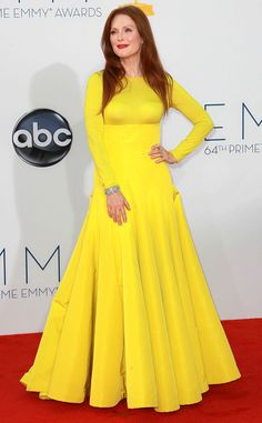 amazing yellow dress and Julianne Moore
