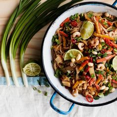 Japchae, Tofu, Pasta Salad, Chili, Yummy Food, Ethnic Recipes, Crab Pasta Salad, Chile, Delicious Food
