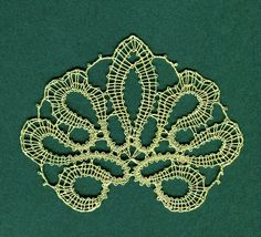 Schneeberger tape lace Lace Braid, Lace Making, Bobbin Lace, Crochet Hooks, Knitting Patterns, Tape, Brooch, Antiques, Pictures