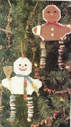 Button Leg Snowman & Gingerbread Ornaments Plastic Canvas Pattern| Needlecraft Super Shop