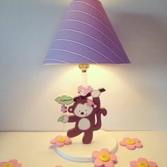 Monkey jungle table lamp for girl room decoration. Handmade by Under Ten. Painting Lamps, Kids Furniture, Girl Room, Wood Projects, Diy And Crafts, Table Lamp, Room Decor, Safari, Arte Country