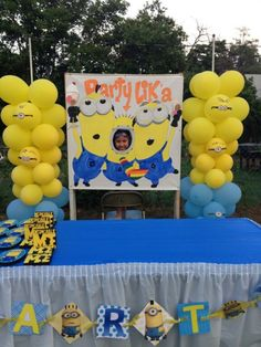 My kids minion party. monik can paint it for us=) Minion Theme, Minion Birthday, Despicable Me Party, Minion Party, 6th Birthday Parties, Birthday Fun, Birthday Ideas, Minion Photos, Festa Party