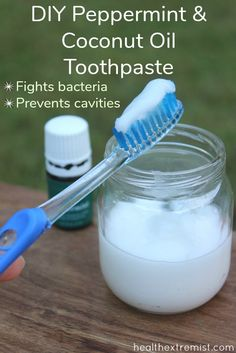 DIY Peppermint and Coconut Oil Toothpaste -Prevents Cavities Make your own peppermint and coconut oil toothpaste with just a few simple ingredients. This toothpaste helps fight bacteria and preventing cavities while leaving you with minty fresh breath. All Natural Toothpaste, Coconut Oil Toothpaste, Toothpaste Recipe, Homemade Toothpaste, How To Make Toothpaste, Coconut Oil Mouthwash, White Teeth Coconut Oil, Organic Toothpaste, Limpieza Natural