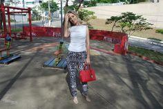Versatilidade: look do dia pra noite! Red bag e sandália nude salto agulha | Blog da Ana