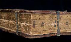 Δείτε το… «πολυ-βιβλίο» του 16ου αιώνα που διαβάζεται με 6 τρόπους