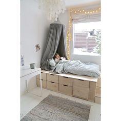 More than 50 Genius Rustic Storage Bed Design Ideas - . Ikea Bedroom Storage, Bed Storage, Room Decor Bedroom, Girls Bedroom, Dorm Room, Ottoman Storage, Dresser Storage, Master Bedroom, Bed Designs With Storage
