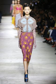 Textile Prints, Textiles, Cheongsam, Spring Summer 2016, Frocks, Catwalk, Lace Skirt, Print Patterns, Ready To Wear