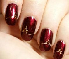 Luscious Red Tree | 11 Holiday Nail Art Designs That Are Too Pretty To Pass Up
