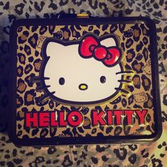 Makeup Holder Lunch box that can be used to store makeup etc. Other
