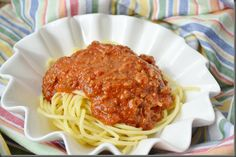 easy, not very tomato-y spaghetti sauce