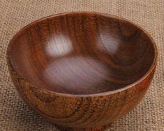 Moderná štýlová miska z bambusu.