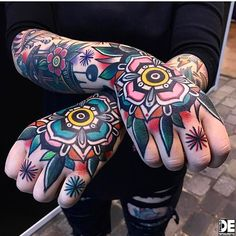 Stunning traditional hand tattoos by @pablo_de_tattoolifestyle #tattoo #tattoos #tattooart #tattooartist #inked #InkedBoutique