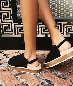 Hayden Flatform Sandal at Free People - Trendslove Sock Shoes, Cute Shoes, Me Too Shoes, Shoe Boots, Shoes Sandals, High Sandals, Espadrilles, Beautiful Shoes, Summer Shoes
