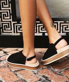 Sock Shoes, Cute Shoes, Me Too Shoes, Shoe Boots, Flatform Sandals Outfit, Espadrilles, Shoes Sandals, High Sandals, Summer Shoes