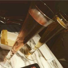 ある晩の風景:しゃれおつに スパークリングワインとチーズ【ロック白夜さん☆7-8月初夏のお酒風景】