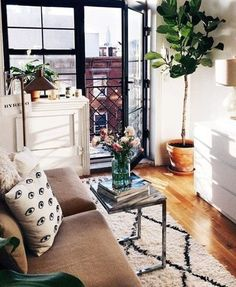 How To Decorate Your Tiny Apartment, On A Budget! | Apartment | Decor | Budget