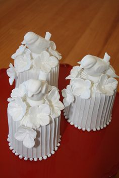 MINI WEDDING CAKES by PAULA CHAMMAS, via Flickr
