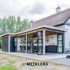 House Extension Design, House Design, Modern Farmhouse Exterior, Backyard Patio Designs, Forest House, House Extensions, Image House, House In The Woods, Garden Design