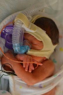 10 Things All Parents of Preemies Need to Know Preemie Babies, Preemies, Premature Baby, Newborn Nursing, My Future Job, In Christ Alone, Small Baby, Newborn Baby Photography, Nicu
