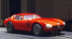 Alfa Romeo Canguro 1/32 fv Roxy Toys with Fleischmann chassis, NO Fleischmann Alfa Romeo's tipo 33 Periscopica were hurt during the build process, the axles, grille and waterslides were all replacement parts, chassis is the Lotus 40 one ;)