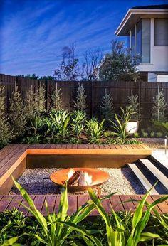 Adorable 50 Fresh Modern Backyard Landscaping Ideas https://bellezaroom.com/2018/01/08/50-fresh-modern-backyard-landscaping-ideas/