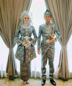 nikah Dress by Make up by Songket Wedding Day Wedding Planner Your Big Day Weddings Wedding Dresses Wedding bells Malay Wedding Dress, Kebaya Wedding, Muslimah Wedding Dress, Hijab Style Dress, Muslim Wedding Dresses, Wedding Hijab, Wedding Suits, Wedding Attire, Bridal Dresses